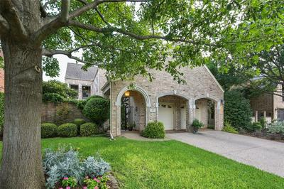 49 MILL POND DR, Frisco, TX 75034 - Photo 2