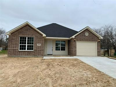 1800 CLEVELAND ST, Greenville, TX 75401 - Photo 1