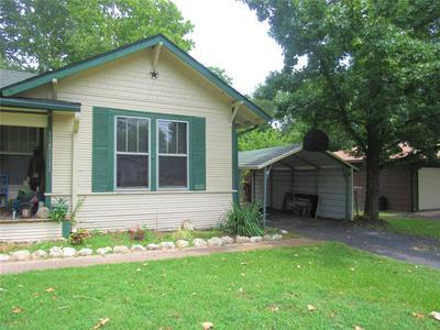 2104 AGNEW ST, Bonham, TX 75418 - Photo 2
