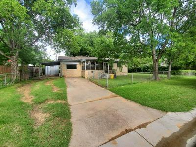 107 S SHEPPARD DR, Euless, TX 76040 - Photo 1