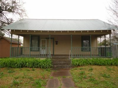 301 S BOND ST, Whitewright, TX 75491 - Photo 2