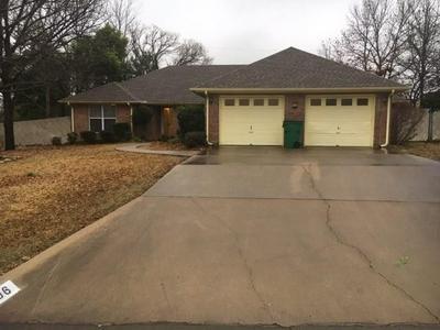 706 PRAIRIE WIND BLVD, STEPHENVILLE, TX 76401 - Photo 1