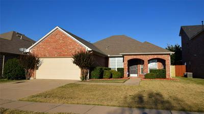 8001 RANCHVALE LN, ARLINGTON, TX 76002 - Photo 1