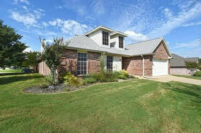901 VALLEY CIR, Justin, TX 76247 - Photo 2