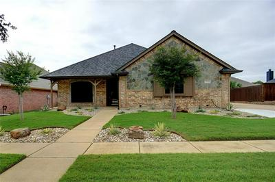 7041 RIDGE CREST DR, North Richland Hills, TX 76182 - Photo 2