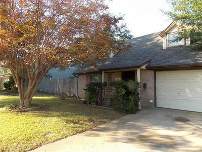 1201 WOODBROOK ST, Arlington, TX 76011 - Photo 2