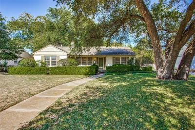 3624 S HILLS AVE, Fort Worth, TX 76109 - Photo 1