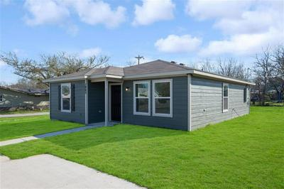 1805 WELLINGTON ST, GREENVILLE, TX 75401 - Photo 2
