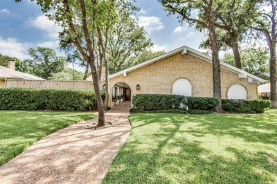 1913 VALLEY OAKS CT, Irving, TX 75061 - Photo 2