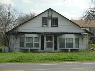 1020 NE 4TH ST, Hubbard, TX 76648 - Photo 1