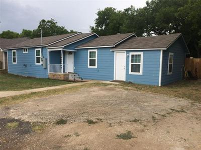 1032 S MADISON ST, McGregor, TX 76657 - Photo 2