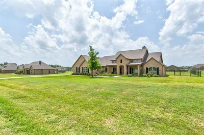 112 EAGLE MOOR LN, Brock, TX 76087 - Photo 2