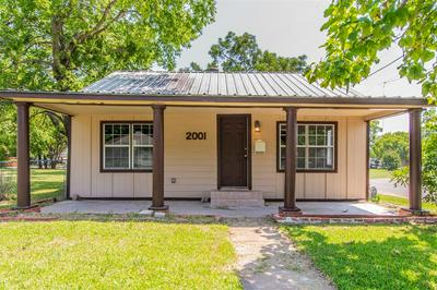 2001 N CROCKETT ST, Sherman, TX 75092 - Photo 1