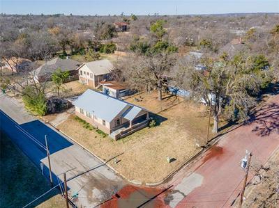 810 N CLINTON ST, Stephenville, TX 76401 - Photo 2
