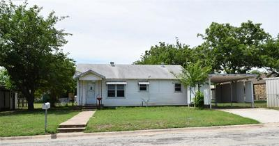 608 E 8TH ST, Coleman, TX 76834 - Photo 2