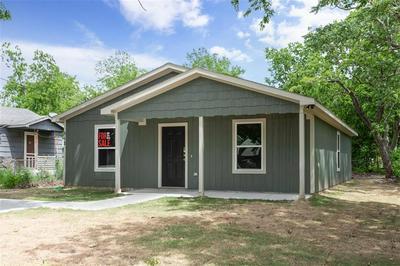 512 CLEMENTS STREET, Gainesville, TX 76240 - Photo 2