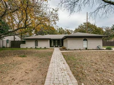 700 CIMARRON TRL, Southlake, TX 76092 - Photo 2