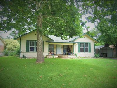 2104 AGNEW ST, Bonham, TX 75418 - Photo 1