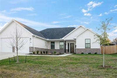 105 BYROM CT, Whitesboro, TX 76273 - Photo 2