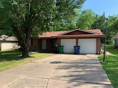 3209 EASTLAND AVE, Greenville, TX 75402 - Photo 2