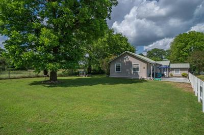 537 S HOUSTON ST, Edgewood, TX 75117 - Photo 1