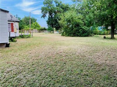 200 W HICKMAN ST, Hutchins, TX 75141 - Photo 2