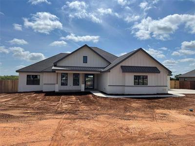 161 NEWHOUSE DR, Abilene, TX 79606 - Photo 1