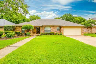 7916 HUNTER LN, North Richland Hills, TX 76182 - Photo 1