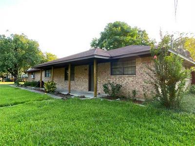 700 S BUFFALO ST, Canton, TX 75103 - Photo 1