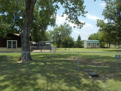 305 ELMWOOD ST, Azle, TX 76020 - Photo 2