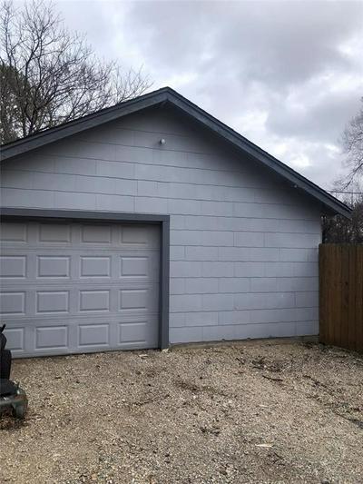 203 W NELSON ST, BOWIE, TX 76230 - Photo 2