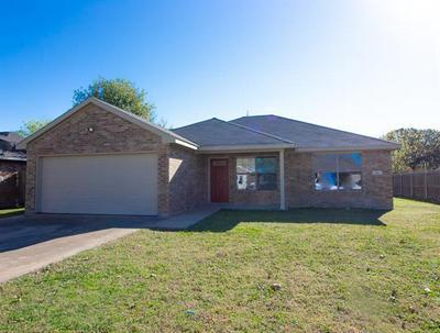 800 PHILLIPS CIR, Kaufman, TX 75142 - Photo 2