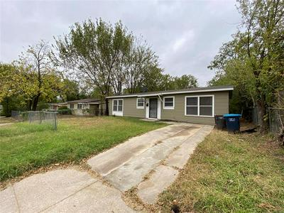 4024 WIMAN DR, Fort Worth, TX 76119 - Photo 2