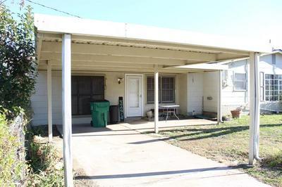 901 E BOYNTON ST, Hamilton, TX 76531 - Photo 2