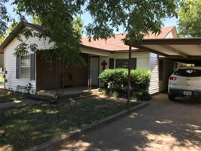 608 N STRATTON ST, Seymour, TX 76380 - Photo 2