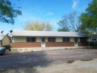 1712 PEACH ST, Goldthwaite, TX 76844 - Photo 1