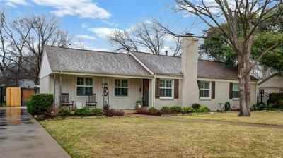 3718 S HILLS AVE, FORT WORTH, TX 76109 - Photo 2