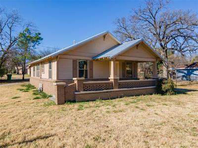 810 N CLINTON ST, Stephenville, TX 76401 - Photo 1