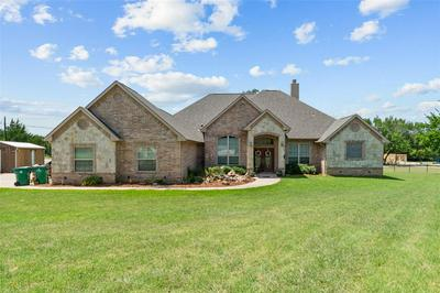 602 GRAND OAKS CT, Alvord, TX 76225 - Photo 2
