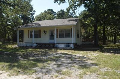 636 N KING LARRY RD, Scroggins, TX 75480 - Photo 1