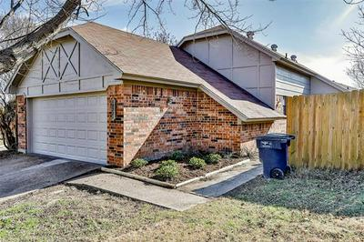 10221 HOLLY GROVE DR, Fort Worth, TX 76108 - Photo 1