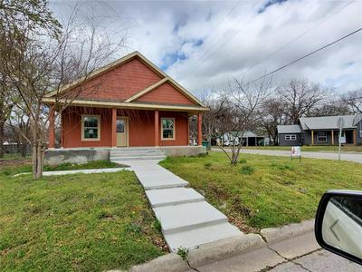 1321 OLIVE ST, Gainesville, TX 76240 - Photo 1