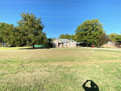 617 W BELLS BLVD, BELLS, TX 75414 - Photo 1