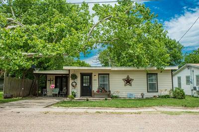 403 WALNUT ST, Grandview, TX 76050 - Photo 1
