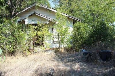 411 SAN MARCOS ST, Coleman, TX 76834 - Photo 1