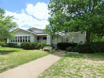 903 S DAUGHERTY AVE, Eastland, TX 76448 - Photo 2