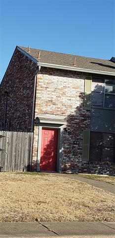 810 RED BUD DR, DeSoto, TX 75115 - Photo 2