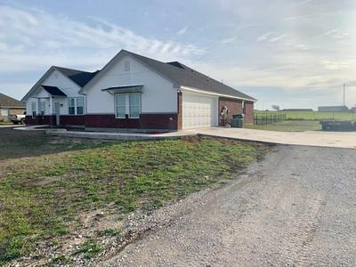 830 N MESQUITE ST, Muenster, TX 76252 - Photo 1