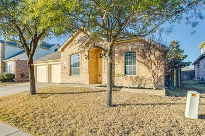 3265 BUTTON BUSH DR, Fort Worth, TX 76244 - Photo 2