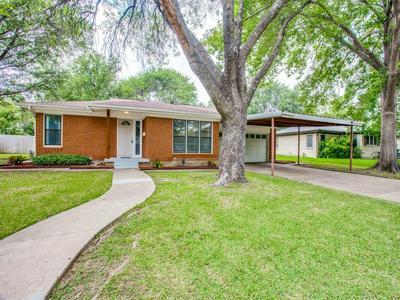 3509 SCRANTON DR, Richland Hills, TX 76118 - Photo 2